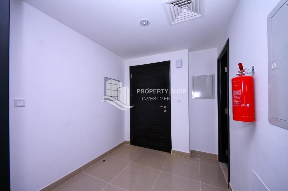 Foyer-Hot price! Double row villa with study room