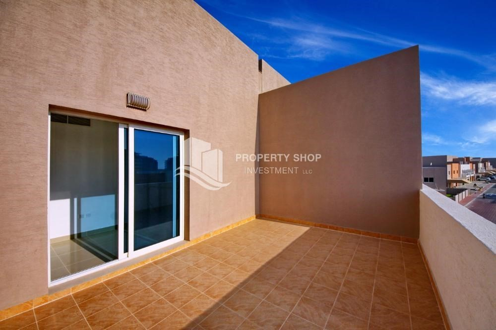 Terrace-Hot price! Double row villa with study room