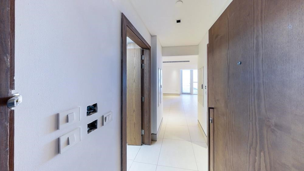 Foyer-2br first class finishing with sensational views of the canal & sea
