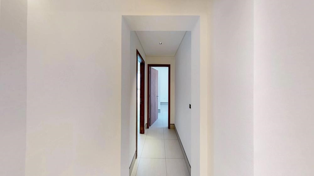 Corridor-2br first class finishing with sensational views of the canal & sea