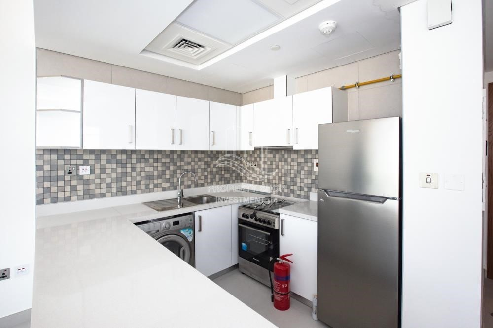 Kitchen-Hot offer! 2Br Zero Commission+13Month Annual Contract