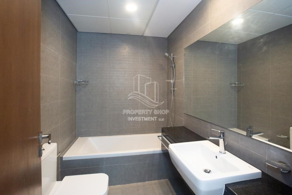 Bathroom-Hot offer! 2Br Zero Commission+13Month Annual Contract
