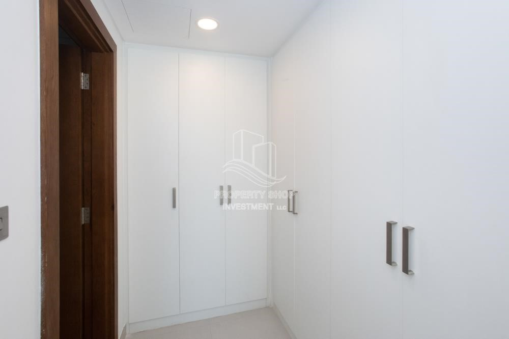 Built in Wardrobe-Hot offer! 2Br Zero Commission+13Month Annual Contract