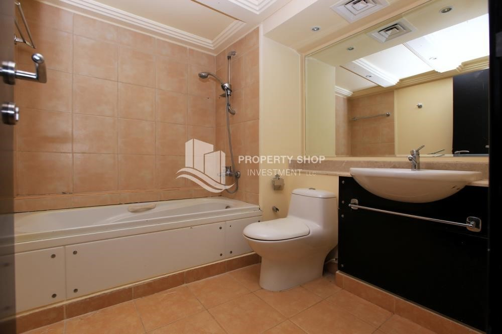 Bathroom-Single row 3 Bedroom Villa with terrace.