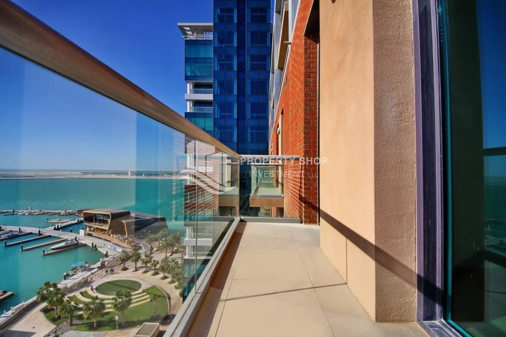 Balcony-1BR unit with full sea and marina view