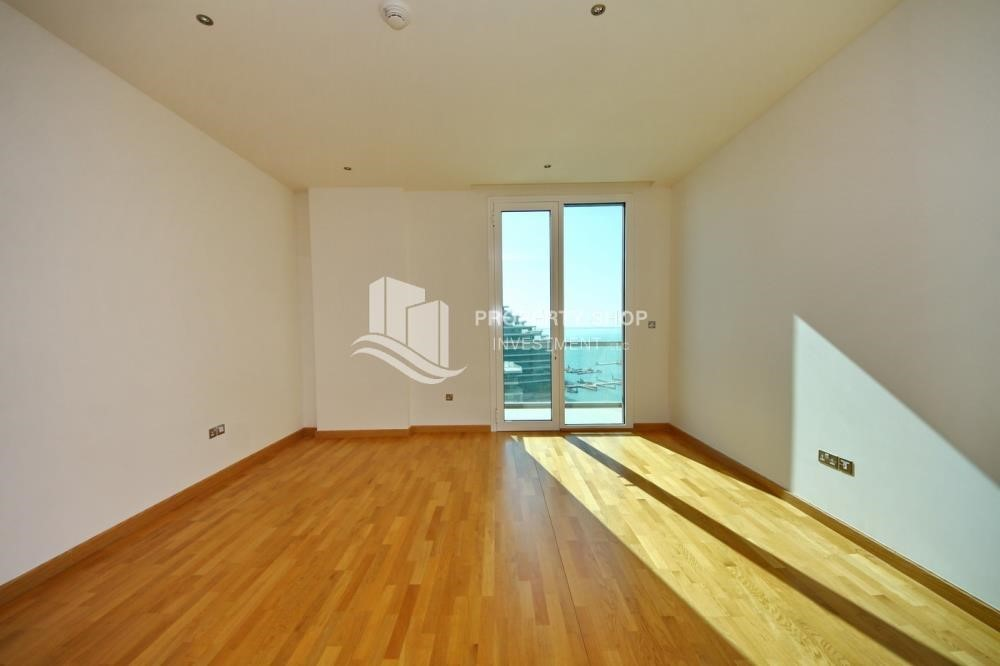 Living Room-1BR unit with full sea and marina view