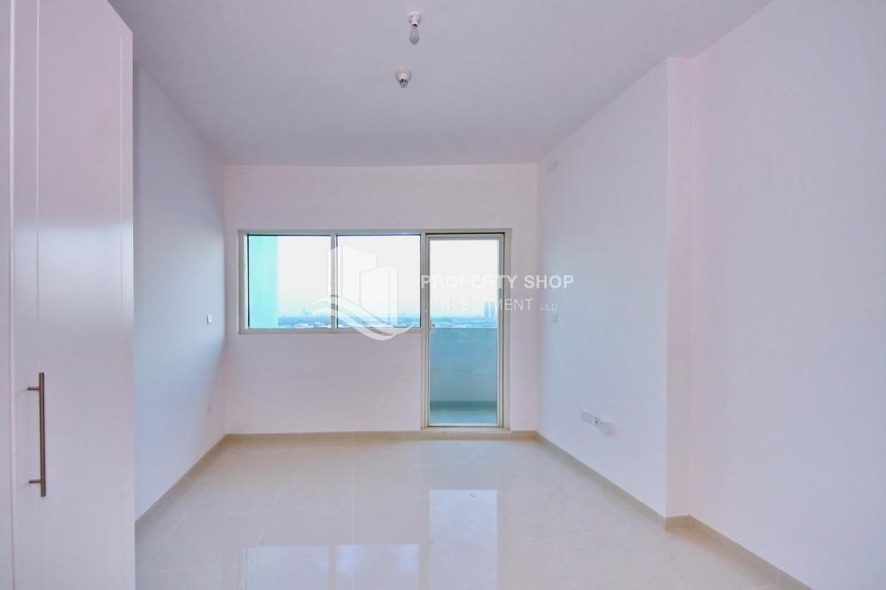Bedroom- ★ Superb Family Home w/ Full Sea View from Balcony ★