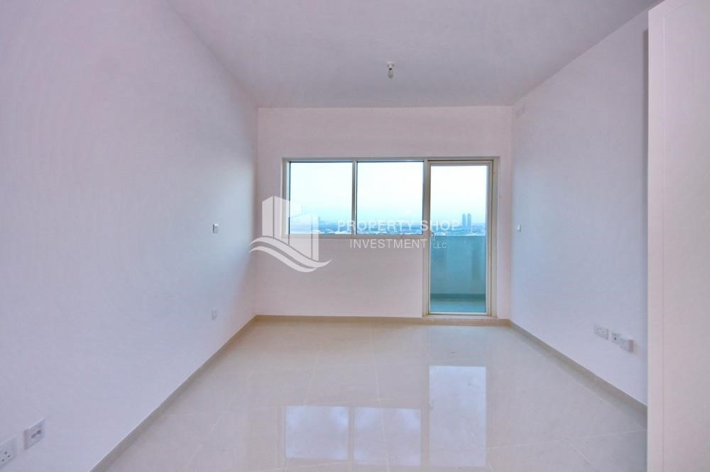 Master Bedroom- ★ Superb Family Home w/ Full Sea View from Balcony ★