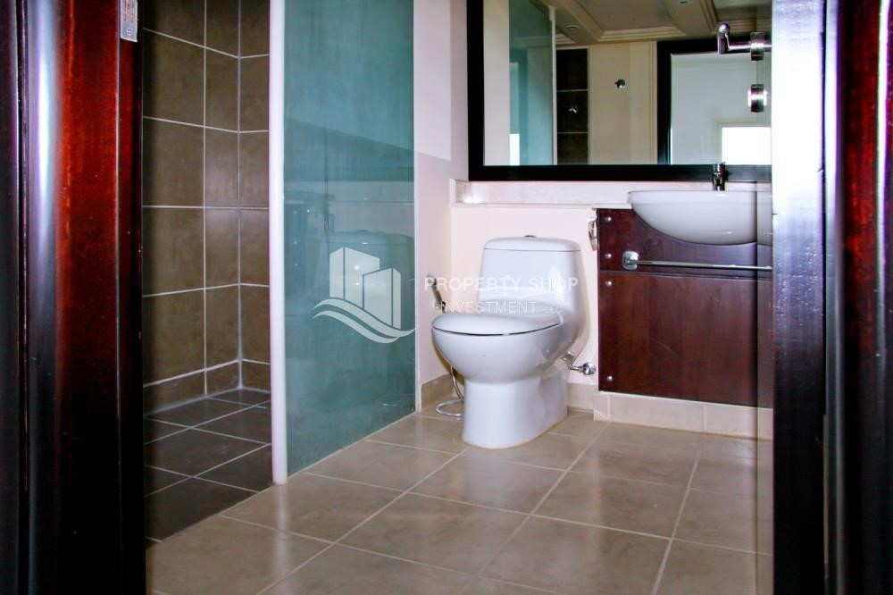 Bathroom-2 BR Single Row Villa in Arabian Village for sale