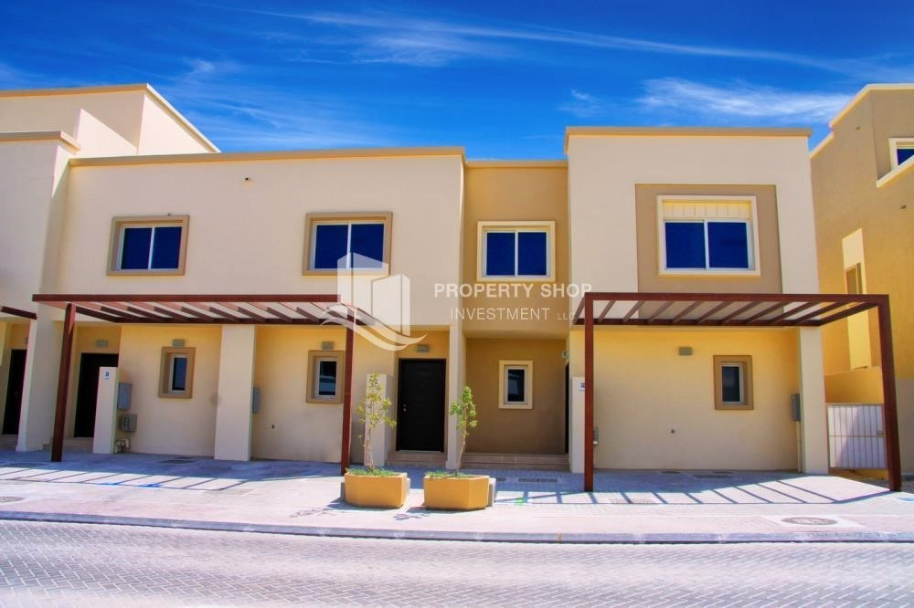 Property-2 BR Single Row Villa in Arabian Village for sale