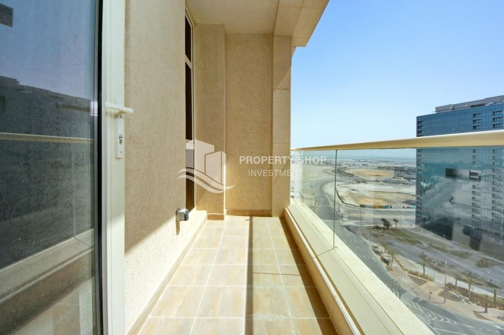 Balcony-Mid-floor 2BR Apt- Big Size  with full facilities.