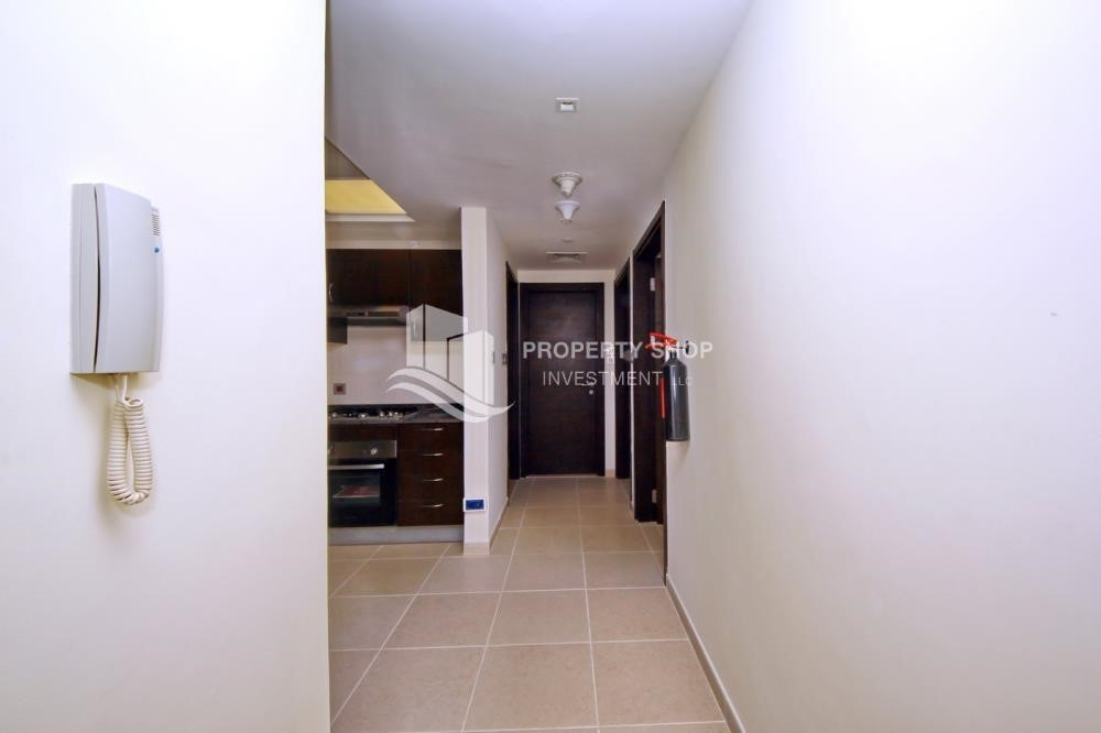 Foyer-Mid-floor 2BR Apt- Big Size  with full facilities.