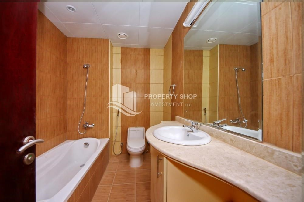 Bathroom-Vacant Exquisite Villa with spacious terrace.