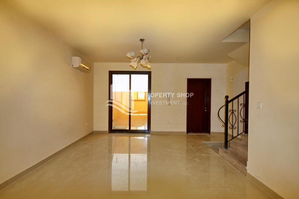Dining Room-Vacant Exquisite Villa with spacious terrace.