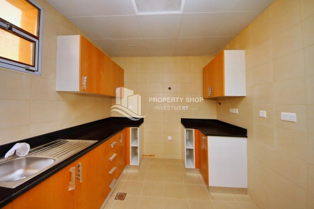 Kitchen-Vacant Exquisite Villa with spacious terrace.