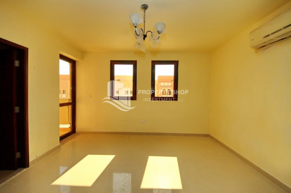 Master Bedroom-Vacant Exquisite Villa with spacious terrace.