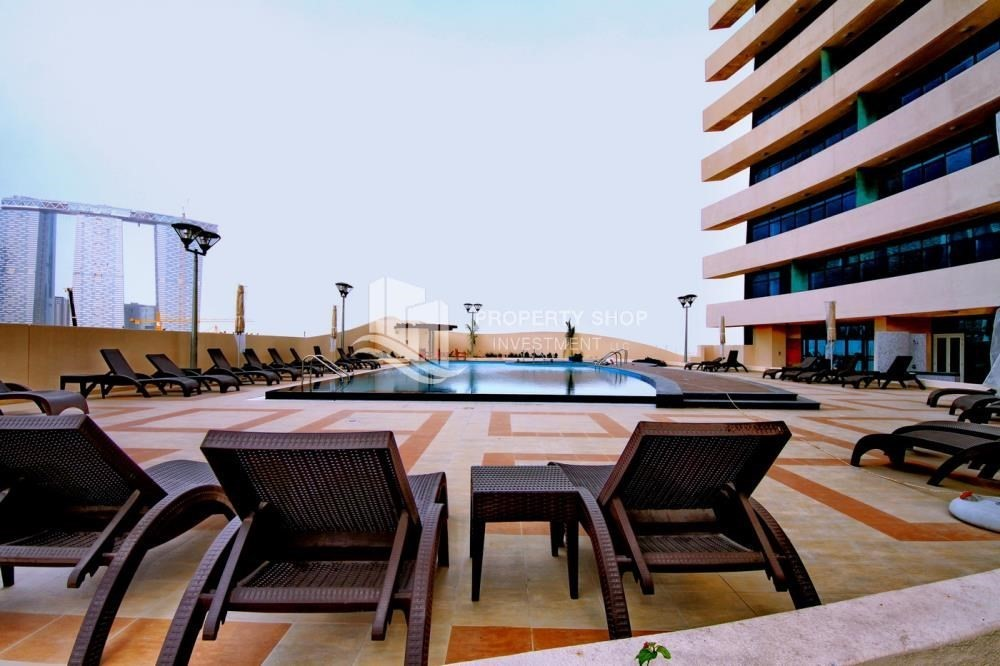 Facilities-Furnished Apt in Mid Floor w/ Marina View
