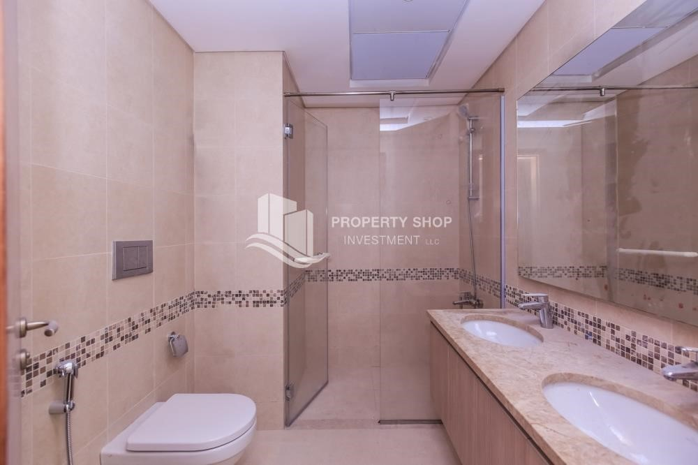 Bathroom-High ROI! 2 bedrooms with direct access to the pool and golf view