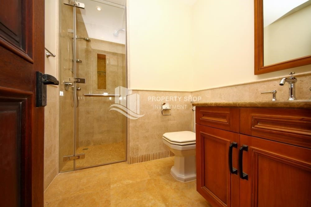 Bathroom-Attractive Location, High End Facilities & Private Garden.
