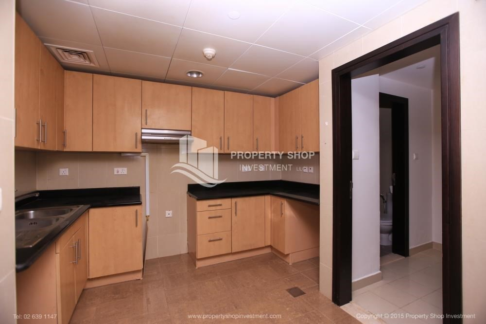 Kitchen-Hurry! Vacant, 2 BR Apt with Sea View.