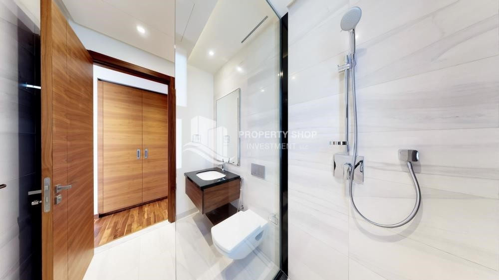 Bathroom-Available 5BR Villa in a luxurious community.