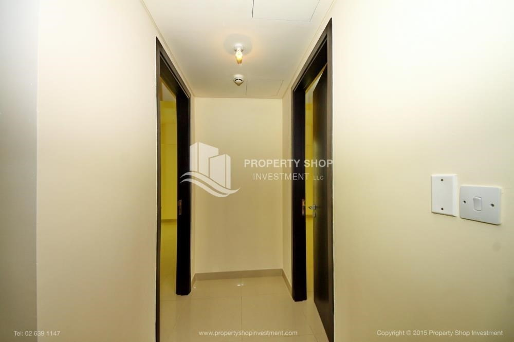 Corridor-Exquisite 2 Bedroom Apartment in Marina Square.