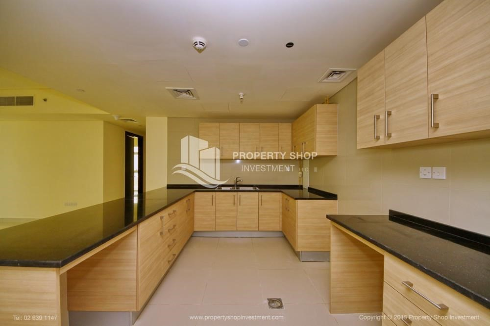 Kitchen-Exquisite 2 Bedroom Apartment in Marina Square.