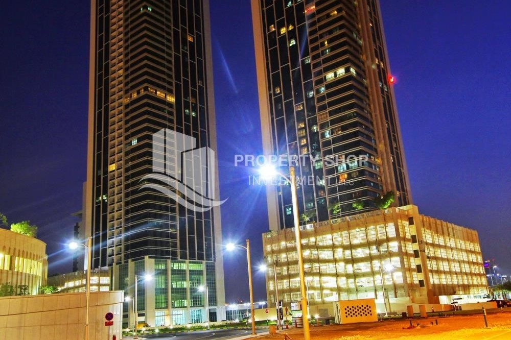 Property-Exquisite 2 Bedroom Apartment in Marina Square.