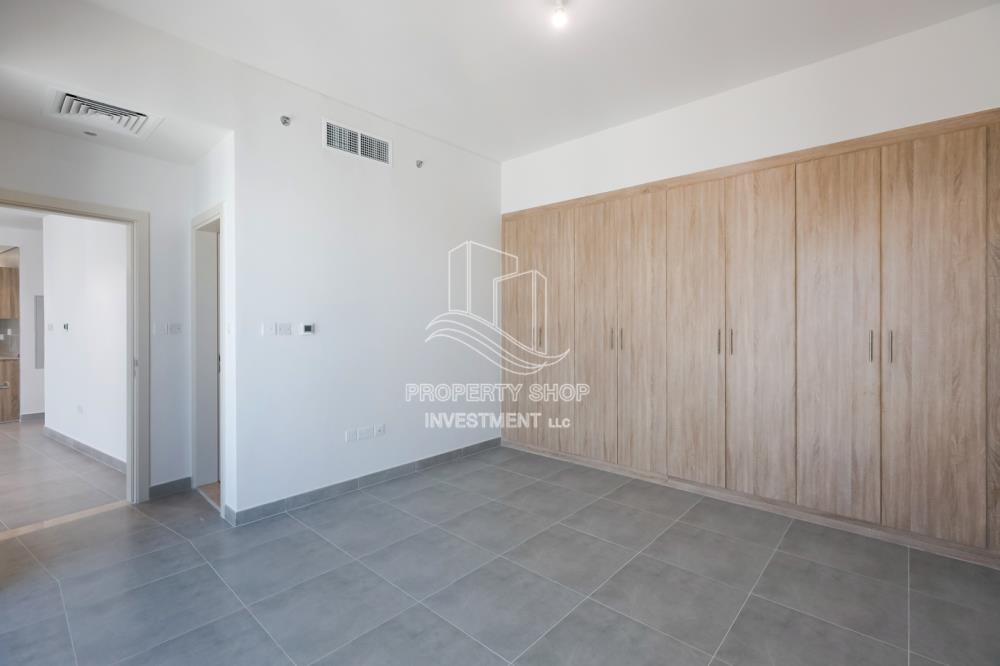 Built in Wardrobe-Affordable and Brand New 1BR Apartment